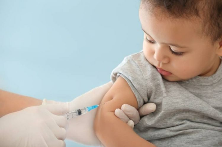 ما هي التطعيمات الإضافية المهمة للطفل؟