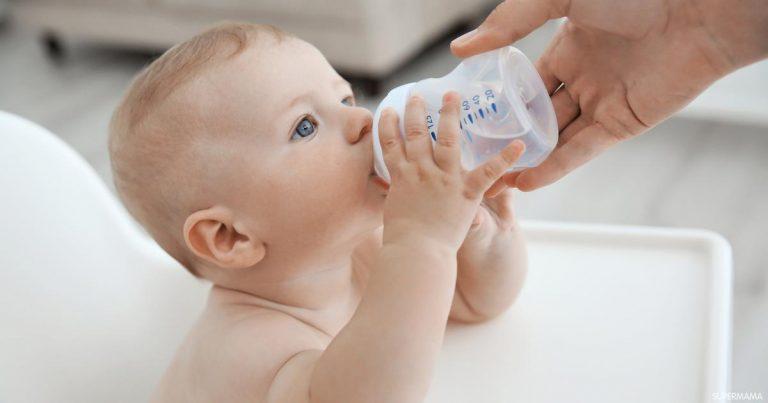 متى يشرب الرضيع الماء بعد 12 شهر؟