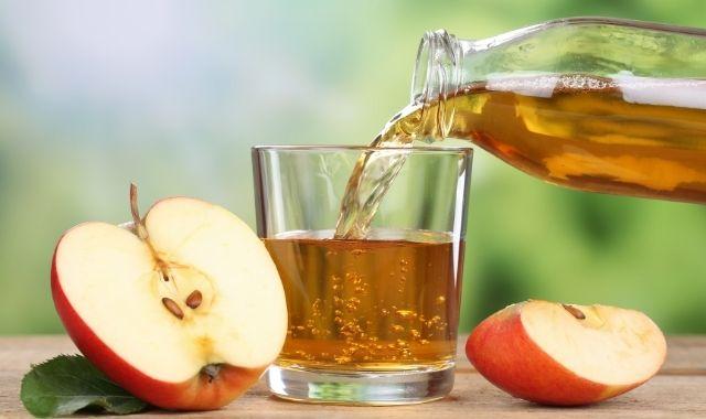 طريقة عمل عصير التفاح للرضع بالليمون واللبن مع الفوائد والأضرار
