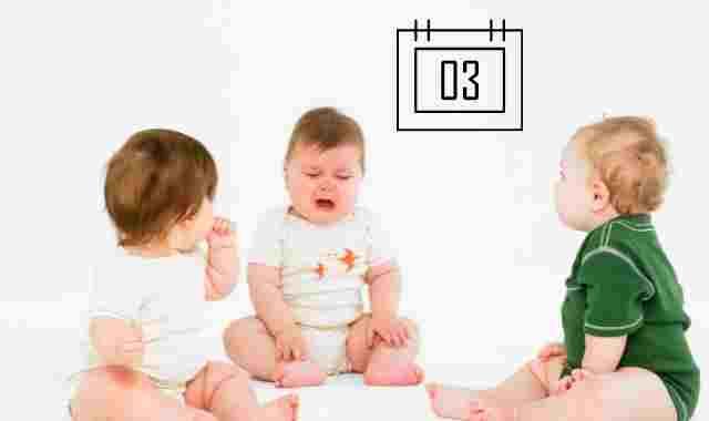 الرضيع في الشهر الثالث