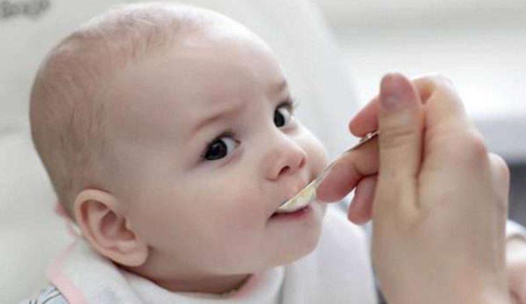 سلوك الطفل أثناء فترة الفطام